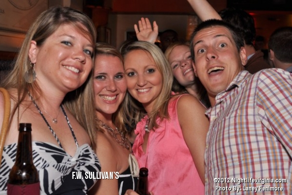 Sullys is poppin on Fridays! - Photo #72358