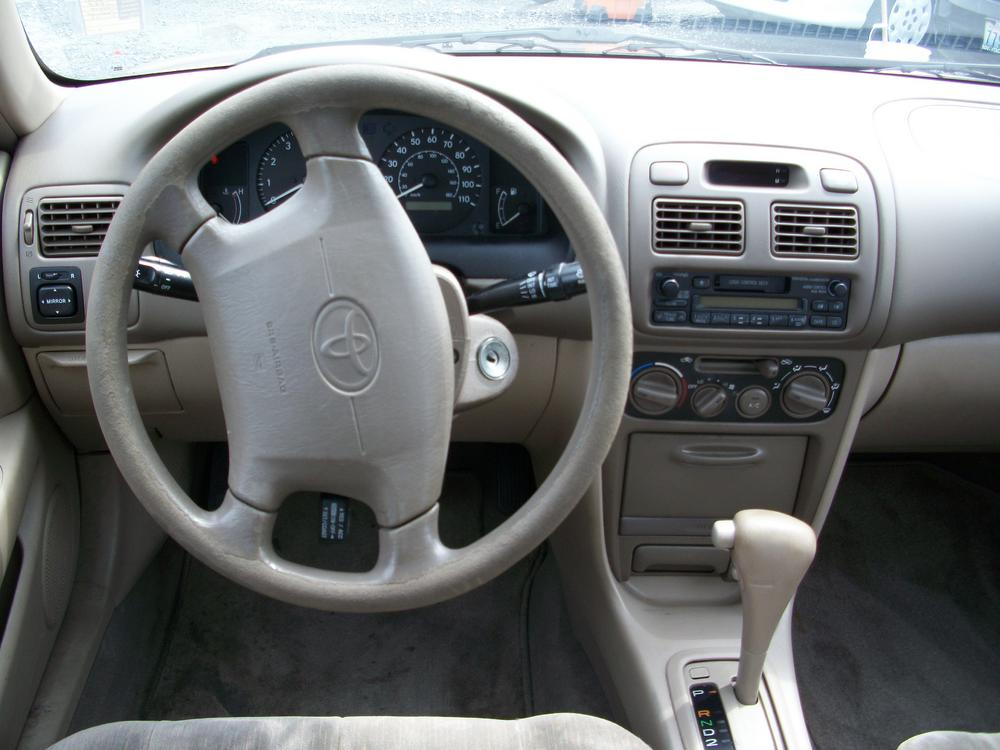 Gallery for 1998 toyota corolla interior for Interior toyota corolla