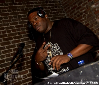 Hollywood Hideout with DJ Vince D at Club Light - Photo #26741