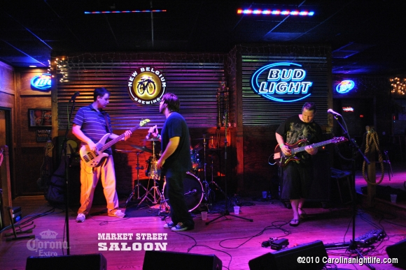 Ellen Drive at Market St Saloon North - Photo #225697