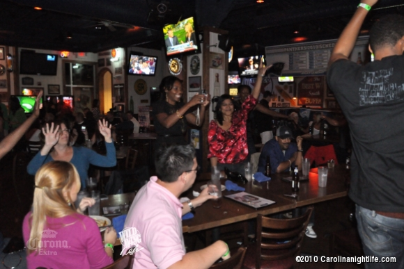 Wild Nights at Wild Wing Cafe - Photo #242748