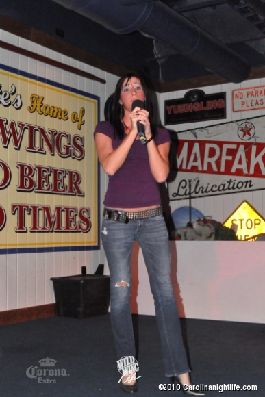 Wild Wings Weds Karaoke Night - Photo #267995