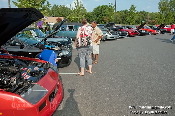 Cruise-In Car Event with the Ladies - Photo #365485