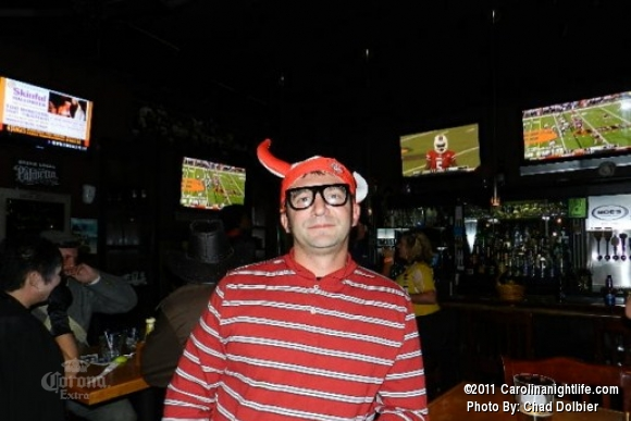 Captain Morgans Bar Crawl at Moes Tavern - Photo #413489