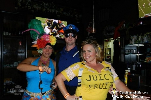 Captain Morgans Bar Crawl at Moes Tavern - Photo #413491