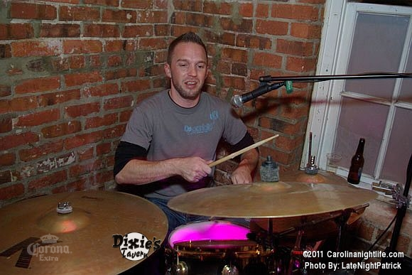 John Earle Band and DJ Botz Friday at Dixies Tavern - Photo #427505