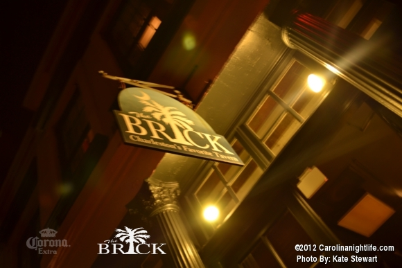 FULL house @ Brick!! - Photo #444734
