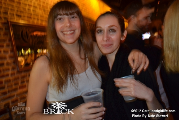 FULL house @ Brick!! - Photo #444736