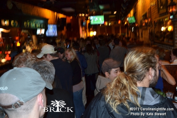 FULL house @ Brick!! - Photo #444739