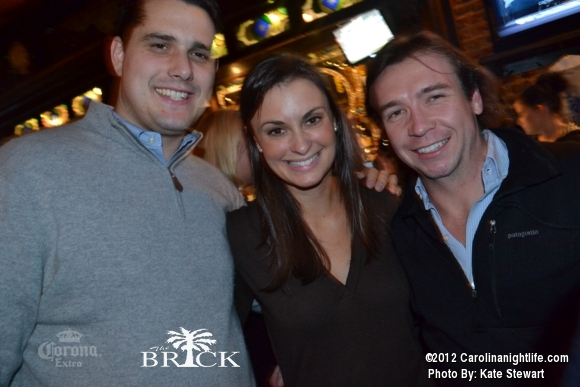 FULL house @ Brick!! - Photo #444742