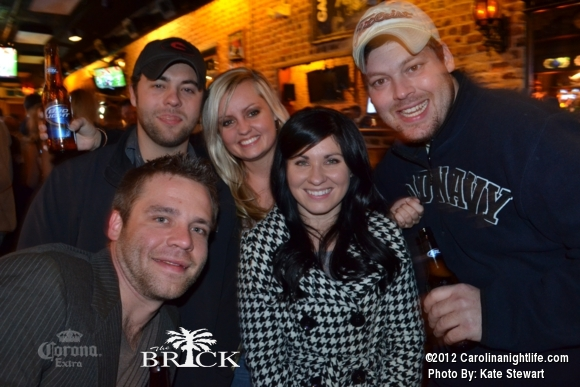 FULL house @ Brick!! - Photo #444744