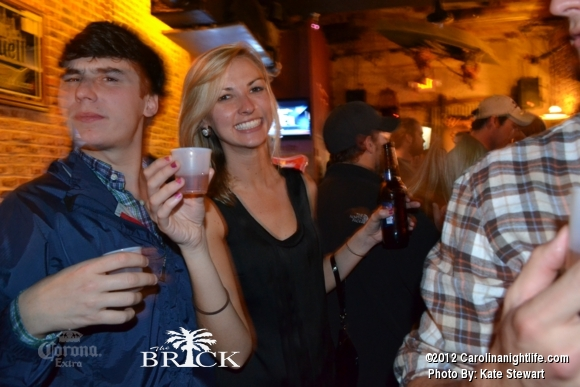FULL house @ Brick!! - Photo #444752