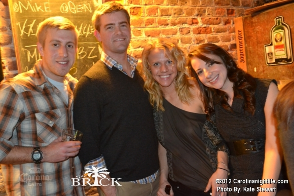 FULL house @ Brick!! - Photo #444753