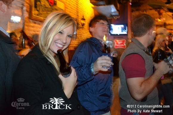 FULL house @ Brick!! - Photo #444763