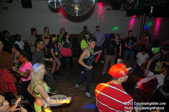 SHUFFLE CITY Rave Wednesday at HALO - Photo #466432