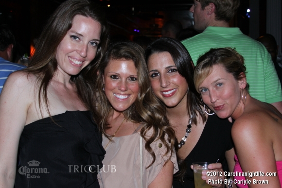 Bachelorettes Invade Trio - Photo #475704