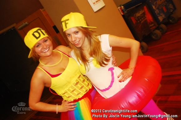 Barstool BLACKOUT! - Photo #484676