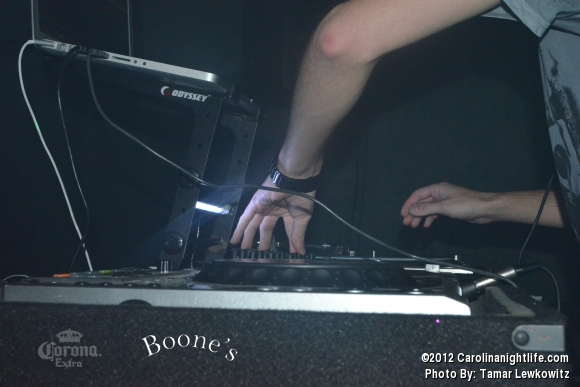 DJ N3AKO @ Boones - Photo #486751
