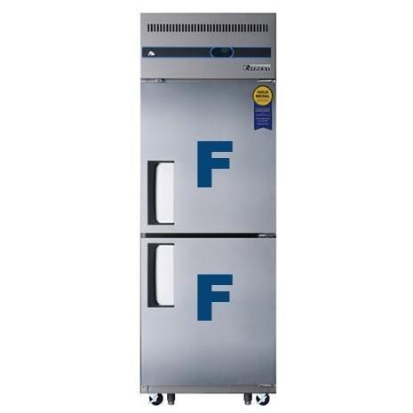 Everest ESFH2 23.0 Cu. Ft. Capacity Single Solid Split Door Upright Reach-In Freezer - Stainless Steel