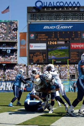 Qualcomm Stadium, Jake Locker