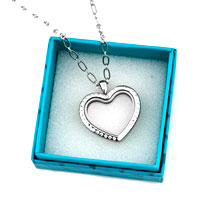Necklace & Pendants - SILVER P CRYSTAL HEART SHAPE LIVING IN MEMORY LOCKET CHAINS PENDANT NECKALCE alternate image 2.