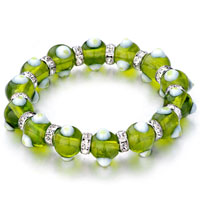 - peridot against dots beads Image.
