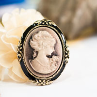 Vintage Victorian Design Queen Lady Cameo Black Enamel Bronze Brooch Pin