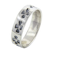RG07_250_X00: size7 celtic cross band sterling silver ring Image.
